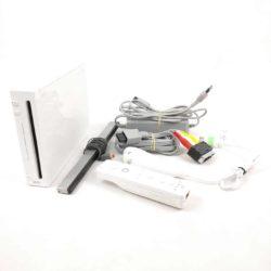 Nintendo Wii Konsol med alle kabler og MotionPlus + Nunchuck Controller