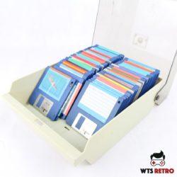 Stor disketteboks med Amiga disketter