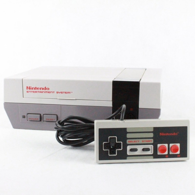 Nintendo NES konsol (HOL) med gamepad og kabler